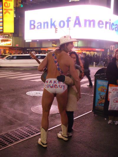Naked_cowboy_2