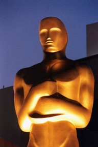 Oscar20statue20up20close