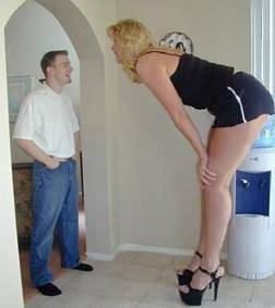 Tall_woman_and_man_1
